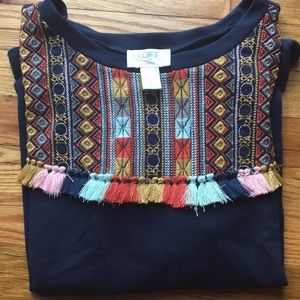 Short-sleeve tassel sweatshirt